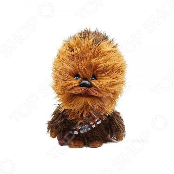 Игрушка плюшевая со звуком StarWars «Чубакка» 00226JМягкие игрушки<br>Игрушка плюшевая со звуком StarWars Чубакка 00226J станет отличным подарком, который можно подарить как взрослому, так и ребенку. Вместе с ней у его обладателя всегда будет замечательное настроение так, как игрушка не только напоминает о любимом персонаже и всем известном фильме, но и, по велению владельца, воспроизводит известные фразы героя не адаптированы на русский язык .<br>