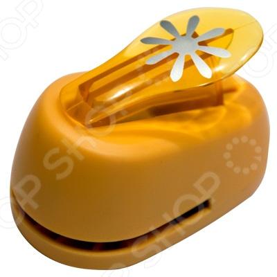 Дырокол фигурный Hobbyboom «Цветок с 8 лепестками»Дыроколы<br>Дырокол фигурный Hobbyboom Цветок с 8 лепестками поможет быстро создать оригинальные поделки в технике скрапбукинг. Дырокол вырезает на бумаге и картоне фигурные отверстия. Одним нажатием вы получаете узорные изображения, которые можно использовать для декорирования любых предметов: открыток, конвертов, подарочных коробок, альбомов и аппликаций.<br>