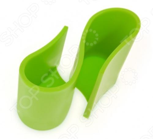Подставка универсальная J-me Snug Tidy внесет яркий акцент в интерьер вашей комнаты, кухни или кабинета. Модель снабжена двумя вместительными отделениями и предназначена для хранения телефонов, пультов, очков, зубных щеток и т.д. Подставка изготовлена из высококачественной резины с противоскользящим покрытием, удобна и практична в использовании. Модель представлена в трех цветовых решениях.