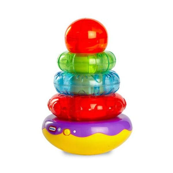 Игрушка развивающая Little Tikes «Пирамидка»Пирамидки для малышей<br>Игрушка развивающая Little Tikes Пирамидка станет замечательным подарком для малыша. игрушка поможет развить мелкую моторику, а также цветовые навыки. Малыш сможет складывать кольца и веселиться из-за раздающихся смешных звуков. Стоит отметить, что к игрушке необходимо приобрести батарейки.<br>