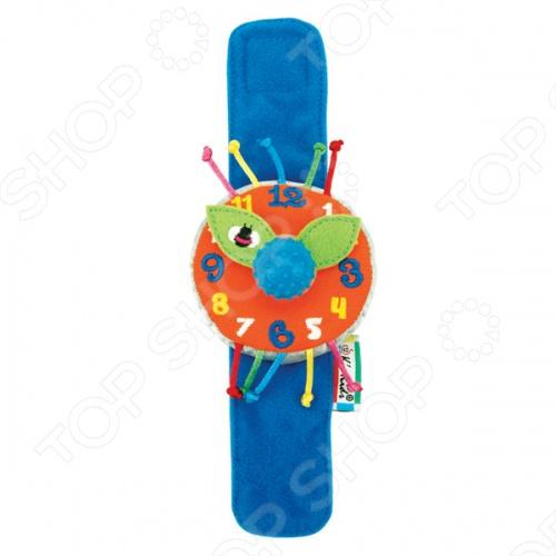 Часики мягкие наручные KS Kids «Мои первые часы»Другие игрушки<br>Часики мягкие наручные K 39;S Kids Мои первые часы - весьма грамотное сочетание веселья и задора, развлечения и развития, созданное специально для вас и вашего дорогого малыша! Основными преимуществами данной модели стали: материал изготовления, назначение, комплектация, современный и стильный дизайн, эргономичный тип конструкции - на липучке, звуковые эффекты - тиканье при вращении стрелок, сочность и красочность расцветки, габариты, вес. Порадуйте себя и свое драгоценное чадо столь интересным, занимательным и увлекательным подарком, как часики мягкие наручные K 39;S Kids Мои первые часы !<br>