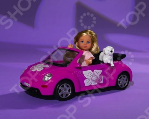 Кукла еви Simba на машине