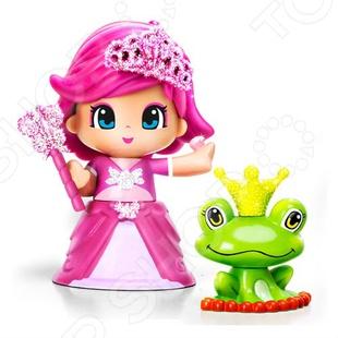 Кукла Famosa «Pinypon-принцесса с питомцем»Куклы<br>Кукла Famosa Pinypon-принцесса с питомцем это принцесса из волшебного мира, созданная испанским брендом Famosa. Она живет в сказочном мире и, как и бывает в сказке, у нее не обыкновенный питомец как у простых девочек. Это не собака и не кошка, а веселая лягушка с короной на голове. В набор входит кукла Пинипон, ее верная спутница лягушка в короне и волшебная палочка.<br>