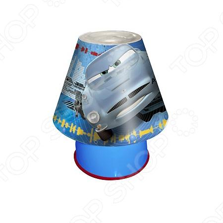 Светильник настольный Disney Cars порадует всех маленьких поклонников этого мультфильма! Вы можете расположить данный светильник на столе и не беспокоиться о безопасности вашего ребенка, ведь он изготовлен из нетоксичного пластика, не нагревается и безопасен в использовании. Светильник излучает теплый и мягкий свет. Лампа 11 Вт Е14 входит в комплект.