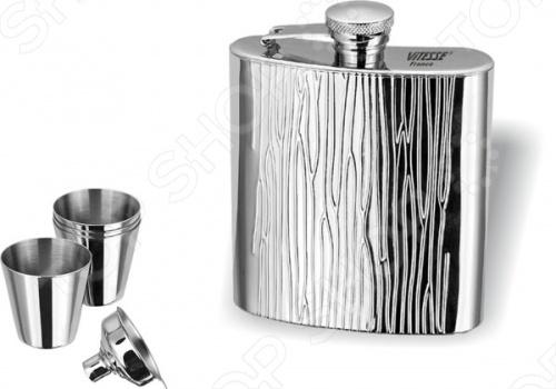 Фляга Vitesse Hera пригодится в походе для хранения различных напитков. В комплекте помимо нее идет четыре стаканчика и одна воронка. Крышка прикреплена к корпусу и не потеряется. Имеет узкую горловину, изготовлена из нержавеющей стали.
