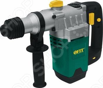 Перфоратор демонтажный FIT DH-1253C является достаточно мощным и производительным инструментом. Он предназначен для сверления отверстий в различных материалах, а также долбления кирпича и бетона. Корпус перфоратора имеет покрытие soft-touch, оно приятно на ощупь, не скользит в руке и устойчиво к царапинам. Скорость вращения шпинделя варьируется в диапазоне 450-800 оборотов в минуту усилием нажатия на клавишу Пуск .