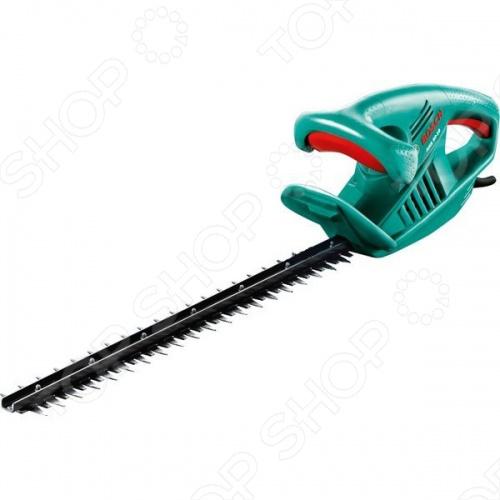 Кусторез Bosch AHS 50-16Кусторезы<br>Кусторез Bosch AHS 50-16 очень удобен в работе. Данная модель относится к садовым инструментам и сконструирован специально для подстригания кустарников на приусадебном участке или даче. Двусторонний нож с лазерной заточкой - для выполнения качественного точного среза. К особенностям стоит отнести следующее - инструмент очень легкий, специально разработанный для снижения нагрузки на руки и спину. Удобство эксплуатации заключается в том. что хорошо сбалансированный инструмент и эргономичная рукоятка обеспечивают комфорт в работе. К техническим характеристикам относим - напряжение в 230 В и мощность - 450 Вт.<br>