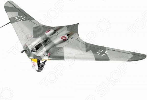 Сборная модель самолета Revell Horten Go-229 сборная модель revell набор самолет боинг 747 200 в наборе кисти краски клей картонная коробка с европодвесом 63999