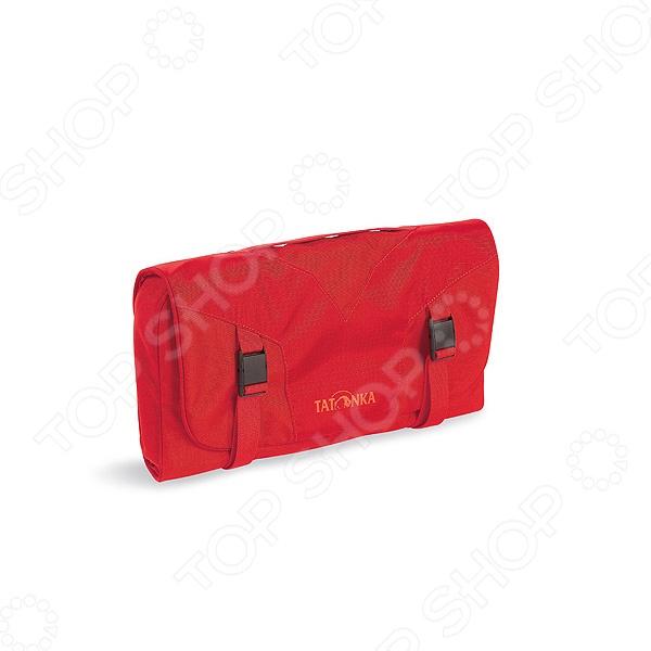 Косметичка Tatonka Travelcare - это очень простая, но, в то же время, функциональная косметичка, которая будет отличным дополнением к вашим вещам и позволит всегда иметь под рукой самые необходимые и нужные косметические средства.