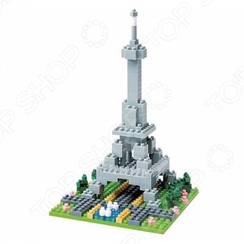 Мини-конструктор Nanoblock «Эйфелева башня»Другие виды конструкторов<br>Мини-конструктор Nanoblock Эйфелева башня это самый маленький в мире конструктор, который представляет собой удивительное творение японских инженеров. Высокоточные трехмерные модели стали очень популярны во всем мире, а теперь вы можете приобрести их и для своего ребенка. Высокое качество пластика, дизайн деталей и точная инструкция позволят добиться изумительной реалистичности у собранной модели. Сборка конструкции может занять от 10 минут до нескольких часов, ведь необходимо проявлять внимательность в подборе каждой детали. Собрав детали этого конструктора вы сможете получить фигурку Эйфелевой башни, собранная фигурка сможет украсить интерьер детской комнаты. В комплекте вы найдете 200 деталей разных цветов, подставку, графическую инструкцию и запасные детали. Для ребенка очень полезно собирать конструкторы такого типа, ведь развивается мелкая моторика рук, логическое и пространственное мышление, усидчивость и координация движений.<br>