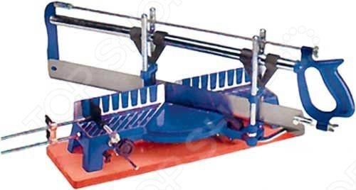Стусло поворотное FIT 41315 идет в комплекте с пилой, имеющая регулировочные винты для изменения натяжения полотна. Инструмент имеет поворотную конструкцию, за счет которого можно распиливать различные элементы шириной не более 15 см под любым углом от 45 до 135 .