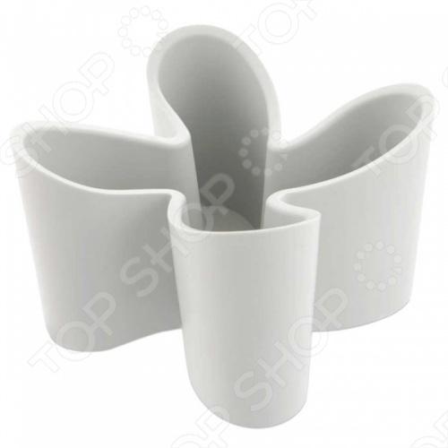Подставка для пультов J-me Cozy внесет яркий акцент в интерьер вашей гостиной. Модель предназначена для хранения пультов от телевизора, кондиционера, аудиосистемы и т.д. Подставка изготовлена из высококачественного каучука с противоскользящим покрытием, удобна и практична в использовании. Держатель вмещает четыре пульта, представлен в пяти цветовых решениях.