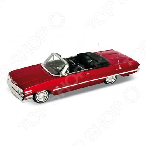 Модель автомобиля 1:24 Welly Chevrolet Impala 1963. В ассортиментеМодели авто<br>Товар продается в ассортименте. Цвет изделия при комплектации заказа зависит от наличия цветового ассортимента товара на складе. Модель автомобиля 1:24 Welly Chevrolet Impala 1963 это качественно смоделированная копия оригинального автомобиля, которая непременно станет отличным дополнением в вашей коллекции. Винтажная модель в масштабе 1:24 наилучшим образом сочетает в себе высокую детализацию и качественный вид. Особенности:  Открываются передние двери  Капот  Имеет литые диски. Идеальный подарок для коллекционеров.<br>