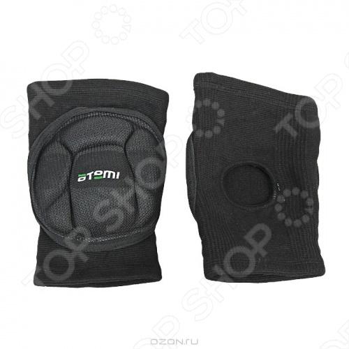 Наколенники волейбольные ATEMI AKP-02 станут замечательным дополнением к вашей экипировке, которая позволит вам по настоящему насладится любимой игрой, при этом не беспокоясь и не отвлекаясь на возможные травмы и ушибы. Внутренняя вставка из пены, высокоэластичный нейлон, а так же вентиляционное отверстие под коленом делают эти наколенники замечательными помощниками в ваших спортивных достижениях.