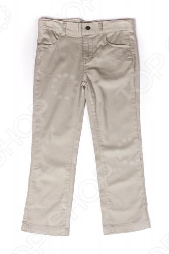 Детские брюки для мальчика Appaman Skinny Twill Pants это стильные брюки для юного джентльмена. Качественная хлопковая ткань гарантирует непревзойденный комфорт, а небольшое количество нитей спандекса обеспечивает эластичность. Мягкие и легкие брюки прямого кроя с гибким поясом идеально подойдут для теплой погоды. У них удобные карманы и застежка с кнопкой и молнией. Подходящий вариант для ежедневного гардероба! Состав: 97 хлопок, 3 спандекс. Американский бренд Appaman основан в 2003 году дизайнером Харальдом Хузуме. Он создает уникальные наряды в стиле AMERIPOP. Хузум находит вдохновение на улицах Бруклина, работая над многообразной палитрой ярких одежд. Воплощая свои творческие проекты, дизайнер не забывает об удобстве и качестве детских вещей. Вы считаете, что наряд Вашего ребенка должен быть не только удобным, но также стильным и индивидуальным Тогда бренд Appaman для Вас!