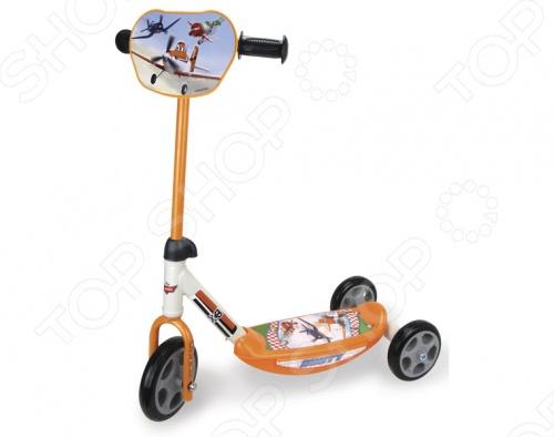 Самокат 3-х колесный Smoby Самолеты станет отличным транспортным средством, для вашего малыша. Ребенку будет очень удобно, весело и безопасно передвигаться на таком ярком, с регулируемой высотой ручки, оснащенном антискользящей платформой, прочной металлической рамой и персонажами любимых диснеевских мультиков на корпусе самокате. Благодаря широко расставленным задним колесам ребенку будет легко держать устойчивость, одновременно с этим разрабатывая равновесие и свой вестибулярный аппарат. Вас и всех окружающих, несомненно, порадуют радостные, счастливые возгласы малыша, с восторгом едущего вам на встречу.