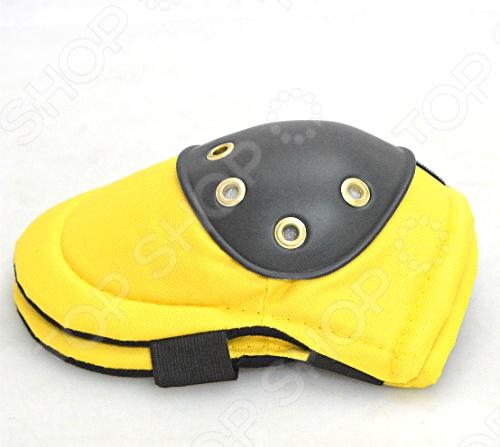 Наколенники с подкладкой FIT Стандарт - это наколенники для строителей из крепкой нейлоновой конструкции с пластиковыми коленными чашечками. Наколенники защищают от ударов, травм и грязи при работе на коленях. Модель имеет широкие эластичные ремни для разных размеров.