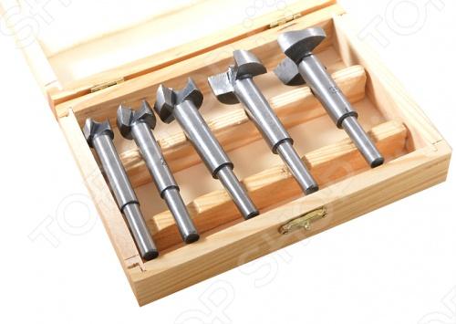 Набор фрез по дереву FIT выполнены из усиленной стали. В наборе представлено 5 шт. Применяются для высверливания отверстий точного диаметра. Упаковка: деревянная коробка.