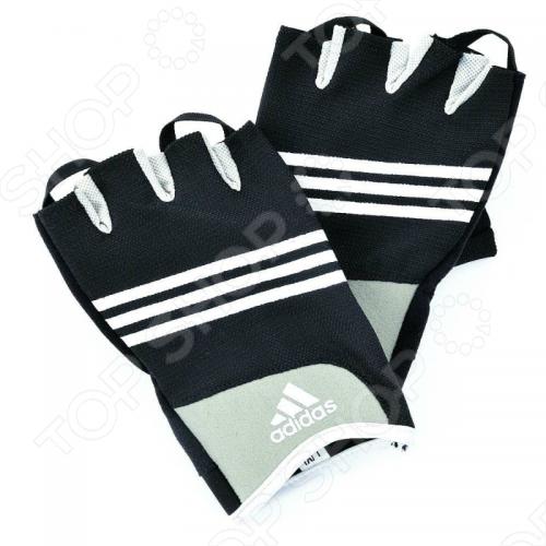 Перчатки для тренировок Adidas для работы с гирями, гантелями, штангой и другими снарядами. Мягкий материал между пальцами улучшает подвижность, подушки защищают ладонь от трения и утомления. Круглые шнурки помогают легче снять перчатки. Печатки выполнены из дышащего материала для максимального комфорта.