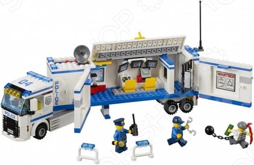 Конструктор LEGO Выездной отряд полиции представляет собой конструктор для детей, в котором найдутся все необходимые детали для создания моделей с картинки. Маленькие детали подойдут для детей старше семи лет, они отлично различимы для ребенка и он точно поймет что с ними необходимо делать. Конструкторы такого типа развивают пространственное и логическое мышление, фантазию, творческие способности и мелкую моторику рук. Яркие краски и высокое качество элементов набор обеспечит стойкий интерес ребенка к игрушке. Следует отметить, что конструкторы Lego популярны не только среди детей, но подойдут и любому взрослому, кто любит подобные игры и собрание моделей своими руками.