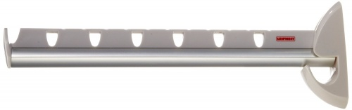 Кронштейн для вешалок Leifheit AIRETTEВешалки. Крючки<br>Кронштейн для вешалок Leifheit AIRETTE позволит повесить вещи в любом удобном месте квартиры или офиса. Основой кронштейна является прочный стальной стержень в пластиковом корпусе. Вешалки цепляются за канавки на корпусе или, если требуется надежная фиксация, продеваются в одно из семи отверстий. После использования кронштейн складывается корпус поднимается наверх, почти сливаясь со стеной. Это очень удобно, например, для малогабаритной прихожей. Вместе с кронштейном поставляются детали для его крепления на стене. Длина кронштейна 31 см, ширина 8 см. Бренд Leifheit Лайфхайт флагман мирового рынка товаров для дома. С 1959 года этот немецкий бренд производит кухонные принадлежности, инструменты для уборки и другие предметы, призванных облегчить повседневный быт. Признанный не только в странах СНГ, но и в Европе, Leifheit обладает узнаваемым логотипом, внушительной историей и инновационным подходом к производству. Все товары Leifheit изготовлены из безопасных и практичных материалов в условиях строгого контроля качества, которое подтверждено многолетней гарантией на каждый продукт.<br>