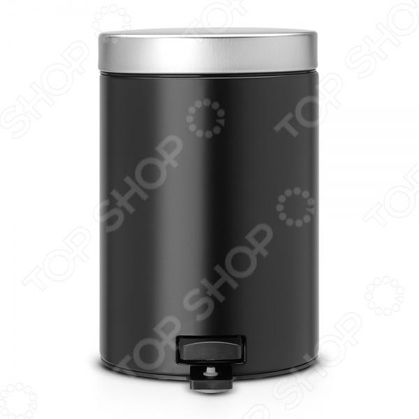 Бак для мусора с педалью Brabantia объемом 3 литра практичен и удобен в использовании, прекрасно подойдет для ванной комнаты или туалета. Оснащен педалью, позволяющей открыть крышку легким нажатием, а после бесшумно закрыть. Крышка плотно закрывается и не пропускает запах. Корпус модели изготовлен из нержавеющей стали. Внутреннее съемное ведро выполнено из пластика. При необходимости его легко вынимать и мыть. Пластиковое основание предотвращает скольжение изделия и защищает пол от царапин. Благодаря элегантному дизайну и разнообразной расцветке бак для мусора с педалью Brabantia впишется в интерьер любого помещения. Для модели подходят мусорные мешки Brabantia, размер А в комплекте 5 мешков .