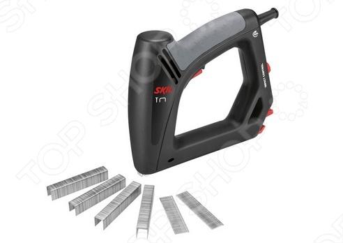 Степлер электрический Skil 8200LAПистолеты. Степлеры строительные<br>Степлер электрический Skil 8200LA - предназначен для быстрого и эффективного забивания скоб и гвоздей в различные материалы. Оснащён регулятором силы удара. Модель имеет кабель длинной 6 метров, что позволяет свободно двигаться во время работы. Эргономичная рукоятка имеет специальное покрытие, которое обеспечивает дополнительный комфорт при работе. Регулятор силы удара обеспечивает возможность выбора силы удара для любых поверхностей. Блокировка выключателя предотвращает случайное включение инструмента. Технические данные:  число ударов 20 в минуту;  длинна скобы 8-16 мм;  ширина скобы 11,4 мм;  длинна гвоздя 15-16 мм;  вместимость магазина скобы 100 шт.;  вместимость магазина гвозди 80 шт.<br>