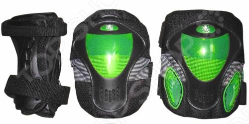 Защита роликовая Larsen P9BЗащита<br>Защита роликовая Larsen P9B предназначена для комфортного и безопасного катания на роликовых коньках. Двухкомпонентная система с внутренними вставками поглощает энергию удара, снимает нагрузку с суставов и снижает риск получения травм. Защита роликовая Larsen P9B состоит из налокотников, наколенников и защиты запястья, которые крепятся при помощи липучек. Такая роликовая защита будет отличным дополнением к Вашим роликам.<br>