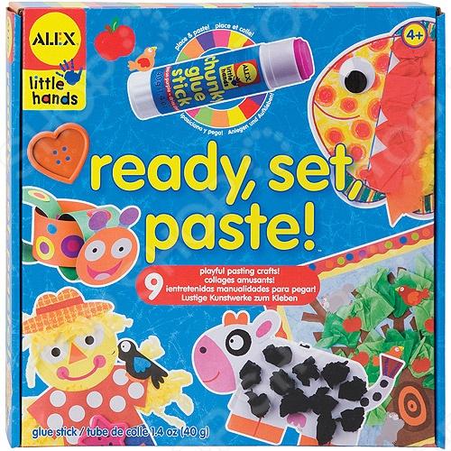Товар продается в ассортименте. Цвет и состав набора при комплектации заказа зависит от наличия товарного ассортимента на складе. Набор для изготовления аппликаций ALEX станет замечательным подарком для вашего малыша. Набор для изготовления аппликаций 9 веселых поделок, чтобы научиться клеить! При нанесении клея на бумагу, он розового цвета, чтобы легко понять, куда приклеивать, а при высыхании он становится беcцветным. В наборе: наклейки и бумажные формы, клей-карандаш, гофрированная бумага, квадраты из тонкой оберточной бумаги, глазки с бегающими зрачками, пуговицы и простая инструкция в картинках. Подойдет для деток от 4 лет.