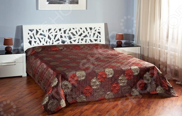 Стеганое покрывало Primavelle Pollione, несомненно, внесет яркий акцент в интерьер вашей спальной комнаты, добавит ей уюта, роскоши и элегантности. Модель выполнена из высококачественного полиэстера, отлично зарекомендовавшего себя в производстве постельного белья, благодаря мягкости, гладкости, низкой сминаемости и устойчивости к истиранию. При пошиве покрывала использована технология безниточного скрепления тканей ТМ Ультрастеп.