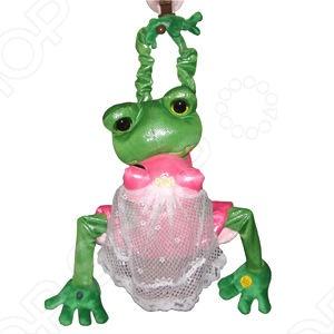 Внимание: изделие предназначено только для взрослых! Игрушка интерактивная Лягушки Тим и Джейн это парочка лягушек, представляющая собой новобрачных. Любовь спасёт Мир! Громкие вздохи любвеобильных новобрачных заставят покраснеть самых искушённых! Срабатывая от нажатия на кнопку, или с помощью датчика движения, лягушки ритмично двигаются вверх и вниз! Квакушкам весело не по-детски! Как понимаете это идеальный подарок для новобрачных, пусть в их семье поселятся любовь и счастье. Ну и разумеется эта парочка будет настоящей находкой для всех любителей взрослых шуток.