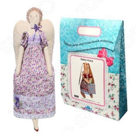 Подарочный набор для изготовления текстильной игрушки Кустарь «Ангелина»Изготовление кукол<br>Подарочный набор для изготовления текстильной игрушки Кустарь Ангелина это возможность своими руками сделать игрушечного друга. Очаровательная кукла Ангелина 42 см , изготовленная в стиле Tilda, одинаково понравится детям и взрослым. Она может стать прекрасным подарком близкому человеку, а может поселиться в вашей комнате. Игрушку очень просто изготовить, следуя подробной инструкции, приложенной к набору. Для прорисовки лица игрушки вы можете использовать акриловые краски или растворимый кофе, а для тонирования клей ПВА. В набор входят: 1.Ткань для тела 100 хлопок , ткань для одежды 100 хлопок , супер пух для набивки. 2.Декоративные элементы, пуговицы, нитки для волос, ленточки, кружево, украшения. 3.Инструмент для набивания игрушки, выкройка, инструкция.<br>