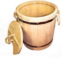 Запарник Банные штучки с пластиковой вставкой с крышкой является неотъемлемым аксессуаром в любой бане. Запарник прекрасно удерживает тепло и позволяет полностью раскрыть все полезные свойства банного веника.