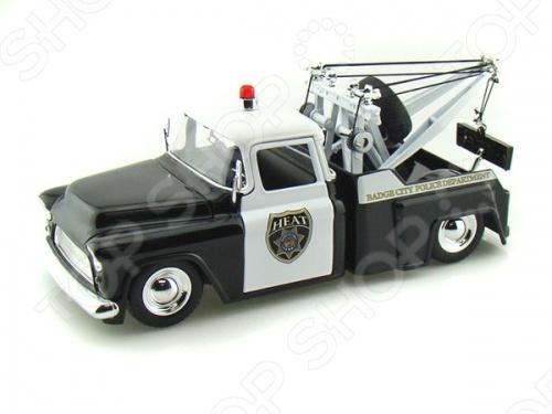 Модель автомобиля Jada Toys - это миниатюрная 1:24 , отлично смоделированная копия оригинального автомобиля Chevy Step Side Tow Truck - 1955 года, с яркой окраской и уникальным видом, которая подарит вашему малышу небывалую радость и веселье при игре, познакомит с изысками автомобильной продукции. Машинка подарит ребенку приятное времяпрепровождение и не заставит его скучать. Отличный вариант для пополнения коллекции качественных игрушек.