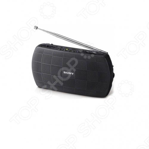 Радиоприемник SONY SRF-18 позволяет слушать музыку, где бы вы ни были. Наличие аудиовхода и прилагаемого кабеля позволяет слушать музыку в стерео, подключив к устройству цифровой музыкальный проигрыватель. Радиоприемник работает от двух батареек AA и имеет действительно компактный и легкий корпус. Это портативное устройство всегда можно взять с собой. Суммарная выходная мощность акустической системы позволяет слушать музыку в стереокачестве и при любой громкости. Имеется разъем для наушников.
