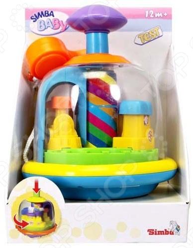 Юла Simba 4012424 замечательный подарок для вашего ребенка. Игрушка обязательно придется по вкусу вашему малышу. Для запуска необходимо легким движением руки нажать на рычаг и юла закружится. Ребенок увидит и услышит, как с грохотом внутри игрушки закружится карусель. В комплект входит свисток на шнурке, который сделает игру с юлой более интересной и разнообразной. Игрушка будет привлекать внимание вашего малыша, что будет способствовать развитию его внимательности. Игра с юлой Simba 4012424 станет любимым занятием вашего ребенка.
