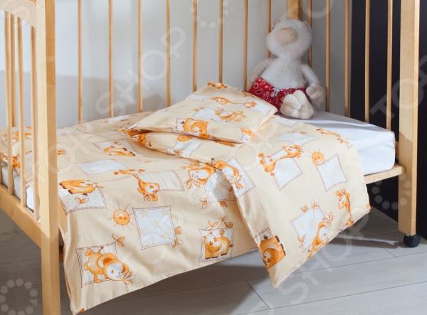 Пододеяльник детский Primavelle 11561207 с вшитой потайной молнией станет отличным дополнением к комплекту детского постельного белья. Модель выполнена из высококачественной бязи и украшена изображениями забавных зверюшек. Бязь представляет собой плотную хлопчатобумажную ткань полотняного переплетения, отлично зарекомендовавшую себя в пошиве постельного белья, благодаря легкости, практичности, воздухопроницаемости, устойчивости к истиранию и низкой сминаемости. Ткани и готовые изделия производятся на современном импортном оборудовании и отвечают европейским стандартам качества.