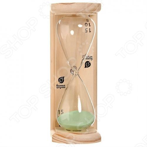 Часы песочные Банные штучки «Люкс»Часы для предбанника<br>Часы песочные Банные штучки Люкс выполнены из натурального дерева и термостойкого стекла. Данный аксессуар предназначен для использования в бане и сауне. Часы не боятся высоких температур и влажности.<br>