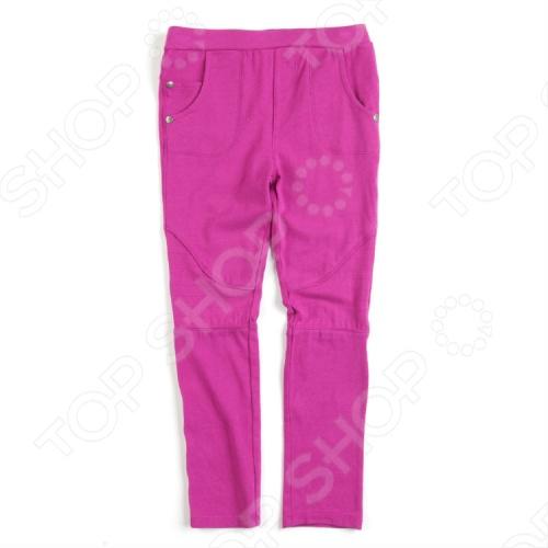 Брюки для девочки Appaman Supercross Pant должны быть в гардеробе каждой маленькой модницы! Ведь они прекрасно сочетаются с любыми вещами, помогая ежедневно создавать яркий образ. Брюки облегающего кроя с эластичным пояском и 5 кармашками 2 накладных сзади, 3 прорезных спереди это главный летний тренд детской моды. Состав: 95 хлопок, 5 спандекс. Американский бренд Appaman основан в 2003 году дизайнером Харальдом Хузуме. Он создает уникальные наряды в стиле AMERIPOP. Хузум находит вдохновение на улицах Бруклина, работая над многообразной палитрой ярких одежд. Воплощая свои творческие проекты, дизайнер не забывает об удобстве и качестве детских вещей. Вы считаете, что наряд Вашего ребенка должен быть не только удобным, но также стильным и индивидуальным Тогда бренд Appaman для Вас!