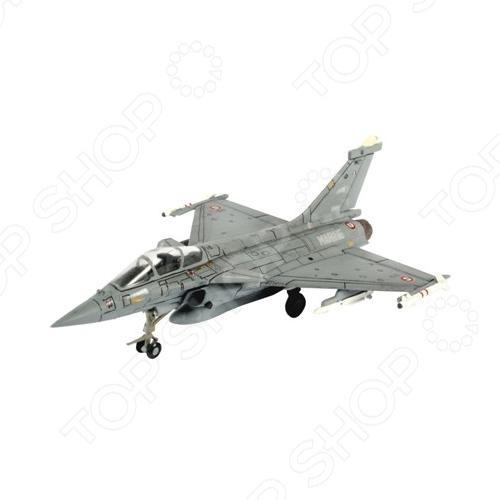 Сборная модель истребителя Revell Dassault Rafale MАвиамодели<br>Сборная модель Dassault Rafale M представляет собой точную копию настоящего военного самолета. Состоит из 58 деталей, которые юный механик должен собрать сам. Во время игры с такой крылатой машиной у ребенка развивается мелкая моторика рук, фантазия и воображение. Истребитель выпущен известной компанией по производству игрушек Revell. Изготовлен из пластика и обладает потрясающей детализацией. Сборная модель Dassault Rafale M является отличным подарком не только ребенку, но и коллекционеру. Клей, кисточка и краски в комплект не входят.<br>