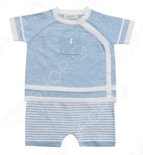 Angel Dear, создает классическую одежду для новорожденных и детей младшего возраста от 0 до 4 лет . При создании учитываются самые современные тенденции в мире моды, и особое внимание уделяется деталям. Каждая коллекция имеет свой неповторимый стиль, который дополняется различными милыми аксессуарами, чтобы сохранить ощущения столь сладостного периода детства. Комфорт ребенка - основополагающий принцип в создании коллекций каждого сезона. Линии одежды Angel Dear вы можете увидеть в лучших бутиках и магазинах по всей территории США. Кофта с коротким рукавом и шорты Angel Dear Classics. Симпатичный комплект в полоску из 100 хлопковой пряжи , состоящий из кофточки и шорт. Кофта с короткими рукавами с округлым вырезом горловины, впереди застежка на пуговицы и декоративный кармашек. Шорты с облегающей формой брючин выполнены на эластичной резинке. Прекрасный вариант для повседневной носки. Состав: 100 облегченный вязаный хлопок.