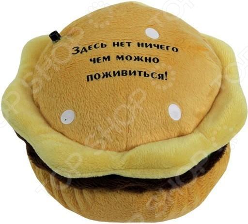 Игрушка интерактивная Музыкальные подарки «Гамбургер для похудения»Интерактивные подарки<br>Игрушка интерактивная Музыкальные подарки Гамбургер для похудения это настоящая находка для любителей вечерних набегов на холодильник. Она выполнена в виде пакетика аппетитного гамбургера, снабжена датчиком движения и магнитом. Игрушка срабатывает от сенсора и при вашем приближении к холодильнику начинает издавать веселые фразы: Помни, ты на диете! , Стой, холодильник закрыт! , После шести есть нельзя, а после восьми можно! и т.д. Игрушка работает от двух батареек типа ААА не входят в комплект поставки .<br>