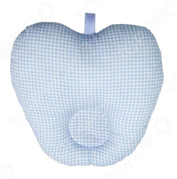 Подушка анатомическая для младенцев Primavelle Apple обладает специальной формой, которая позволяет надежно зафиксировать голову младенца, что обеспечивает правильное формирование шейного отдела позвоночника. В качестве наполнителя использован гипоаллергенный экофайбер, а чехол выполнен из экологически чистой хлопковой ткани.