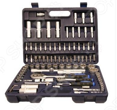 Набор инструментов СИБРТЕХ 1/2 , 1/4: 94 предметаНаборы инструментов<br>Набор инструментов, 1 2 , 1 4 94 предм. СИБРТЕХ - предназначен для автолюбителей, так как он включает в себя всё необходимое для того, что бы провести ремонт автомобиля в гараже. Так же его можно применять и в быту, для выполнения несложных работ. Элементы набора изготовлены из инструментальной стали, которая обеспечивает им высокую прочность и имеет антикоррозийное матовое покрытие. Трещоточный ключ имеет специальный переключатель с насечкой, которые даёт возможность работать с инструментом одной рукой. Набор удобно хранить в кейсе из прочного противоударного пластика, который входит в комплект.<br>