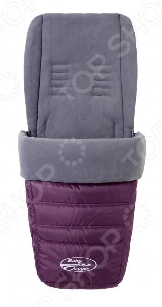 Муфта для ног в коляску Baby Jogger универсальная предназначена для использования с колясками серий City Micro, City Mini, Citi Mini GT, City Elite, Summit X3, включая коляски для двух детей. Эта универсальная муфта представляет собой мягконабивной конверт с флисовой обшивкой на молнии и с несколькими прорезями для ремней безопасности, что положительно скажется на удобстве расположения муфты при любом положении спинки коляски. Муфта устроена таким образом, чтобы обеспечить легкий и удобный доступ к ремешку для быстрого складывания коляски одним движением, так что вам даже не придется снимать муфту для складывания коляски.