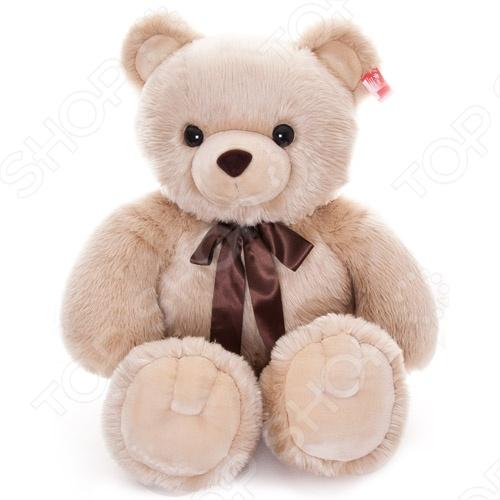 Мягкая игрушка AURORA «Медведь» 120 смМягкие игрушки<br>Игрушка мягкая AURORA Медведь 120 см станет отличным подарком вашему малышу. Очаровательный плюшевый медвежонок с большим атласным бантом на шее никого не оставит равнодушным, подарит вам и вашим детям умиление и радость. Изделие выполнено из высококачественного гипоаллергенного плюша с набивкой из синтепона и предназначено для детей от 3-х лет. Игрушку можно стирать в машинке, не опасаясь ее деформации и изменения цвета. Высота игрушки составляет 120 см.<br>
