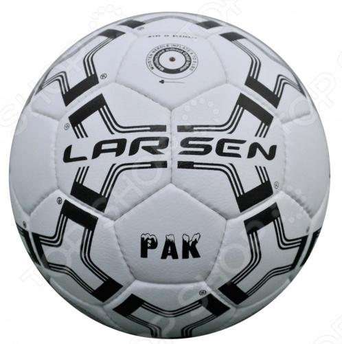 Мяч футбольный Larsen Pak выполнен в сочетании черного и белого цветов. Ручной сшивки с 32 панелями. 4 слоя подкладочного материала. Изготовлен из прорезиненной синтетической кожи. Может использоваться любителями для игры на всех покрытиях.