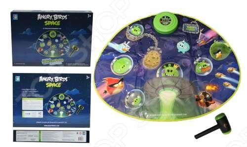 Коврик-игра музыкальный 1 TOY Т56081 Angry Birds - это увлекательная игрушка с музыкальными и световыми эффектами, которая развивает координацию движений, скорость реакции и логическое мышление. Она будет интересна не только малышу, но и родителям, которые захотят составить ему компанию, вспомнить детство и посоревноваться в ловкости. Комплект состоит из музыкального коврика и молоточка. По сюжету игры ребенок перемещается в космическое пространство, где нужно играть по следующим правилам: 1. Кнопку переключателя в позицию ON ВКЛ - звуковой сигнал - на экране панели управления цифры 00 . 2. Этот коврик имеет три уровня сложности. По умолчанию коврик включается на первом уровне. Кнопку Выбор предусмотрена для того, чтобы выбрать нужный уровень. 3. Надо успеть ударить по световому пятну молоточком. Каждое успешное попадание влечет за собой звуковой сигнал и на экране отражаются набранные очки. Работает от 3 батареек типа ААА в комплект не входят .