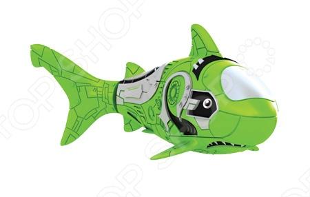 Роборыбка RoboFish Акула станет замечательным подарком для любителей морских приключений. Данная модель - это инновационная высокотехнологичная игрушка. Активируется рыбка в воде, имитирует движения и повадки рыбы. Электромагнитный мотор позволяет рыбке двигаться в 5 направлениях. При погружении в аквариум или другую емкость с водой, РобоРыбка начинает плавать, опускаясь ко дну и поднимаясь к поверхности воды. Игрушка работает от двух алкалиновых батареек А76 или RL44, которые входят в комплект две установлены в игрушку и 2 запасные .