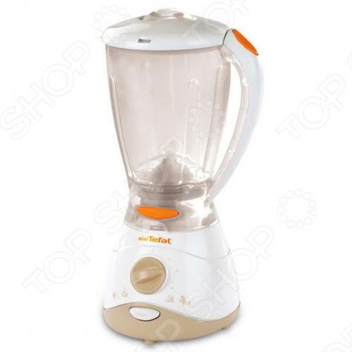 Блендер игрушечный Smoby TefalСюжетно-ролевые наборы<br>Блендер игрушечный Smoby Tefal представляет собой практически точную копию настоящего блендера, от компании Tefal, который подарит вашему ребенку ощущение игры, с абсолютно настоящим кухонным прибором. Блендер обладает звуковыми эффектами, которые добавляют реалистичности, а водонепроницаемая чаша позволяет налить в нее воду или какую-либо другую жидкость и приготовить любое блюдо, которое только пожелает детская фантазия.<br>